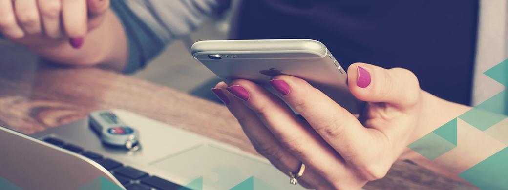 girl-iphone-mac-giving-donate-usb